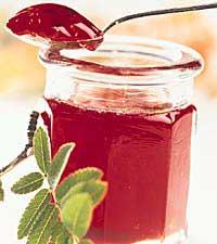 rönnbärsgele med konjak