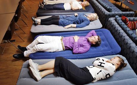 uppblåsbar madrass bäst i test