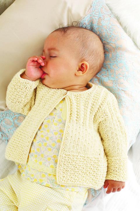 Sticka mjuk babykofta – Icakuriren