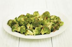 Broccoli med asiatisk dressing